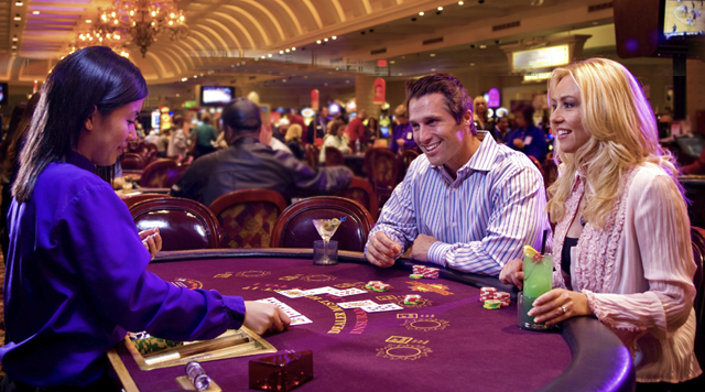 Top casinos change ordinary people into real gamblers -
